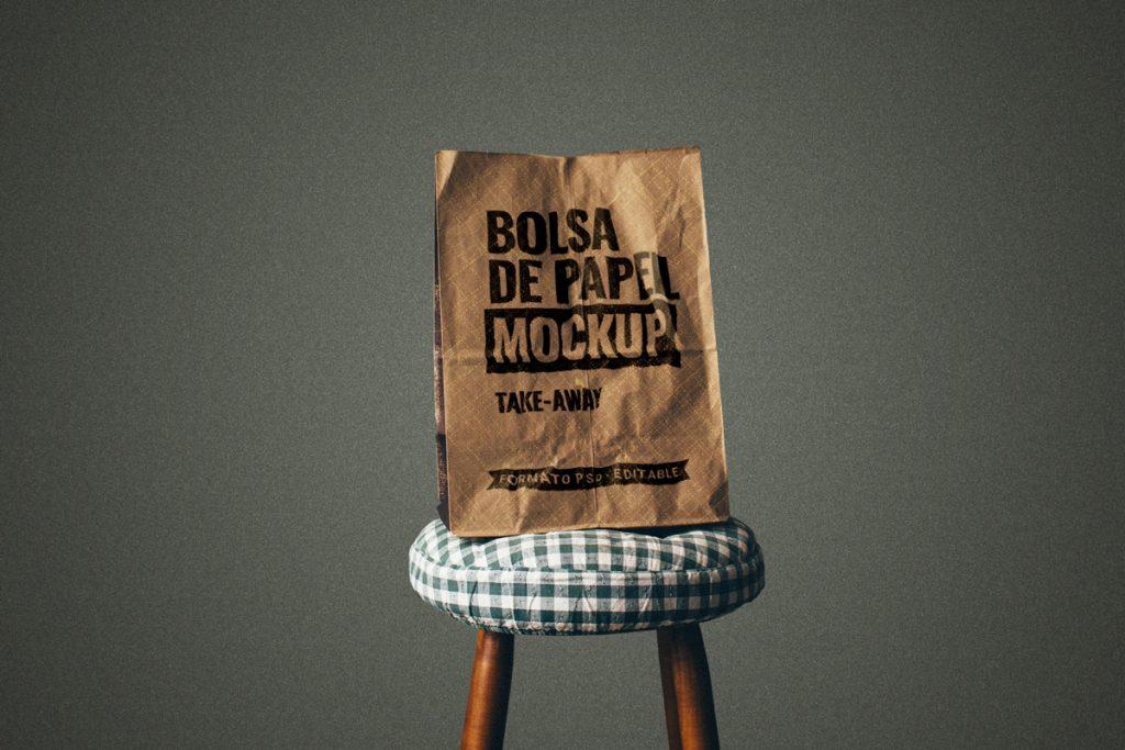 Mockup de una bolsa de papel en formato PSD