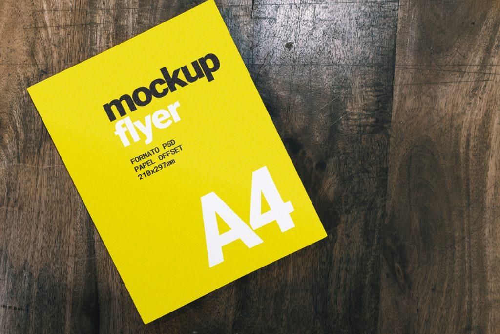 Mockup de un flyer A4 en formato PSD y totalmente gratis