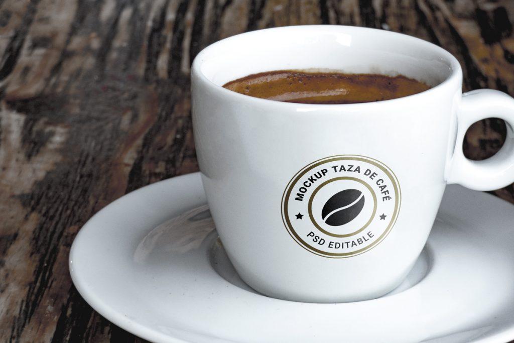 Mockup gratis de una taza de café