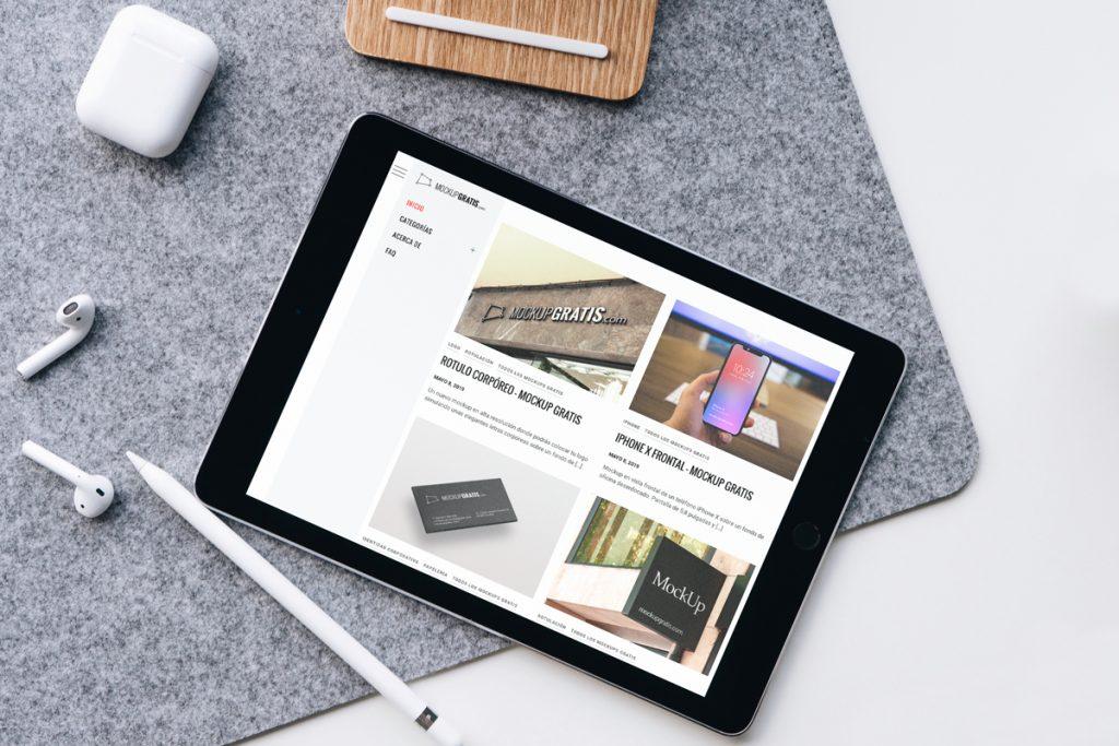 Mockup gratis en PSD de un iPad Air
