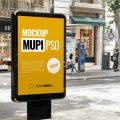 Un diseño de mockup de un Mupi publicitario, gratis y en formato PSD